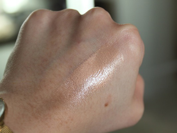 Highlighter - Revlon Photoready Skinlights 100 Bare Ligh Review Swatches 02